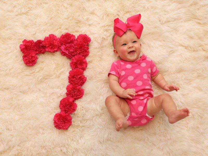 مراحل رشد کودک(ماه هفتم زندگی)