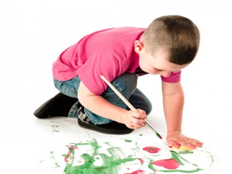 تفاوت ترسیم آدمک در نقاشی کودکان بیش فعال با کودکان عادی