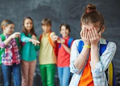 دلایل اعتماد به نفس پایین کودکان چیست؟