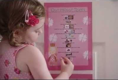 مقررات منزل را برای بچه ها توضيح دهيد