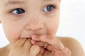 مهمترین علل مکیدن انگشت در کودکان