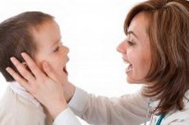 با کودک دچار لکنت زبان اینگونه رفتار کنید