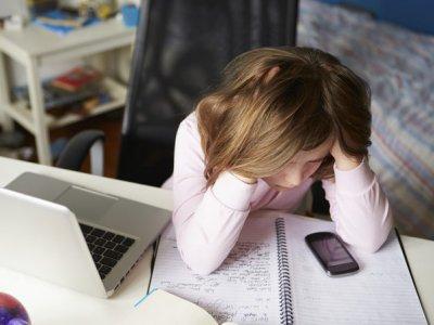 کاهش اثرات منفی رسانه های ارتباطی در کودکان