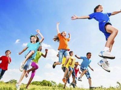 چگونه کودکان را به فعالیت بدنی تشویق کنیم