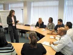 نگرشی اقتضایی به یادگیری سازمانی: ادغام زمینه محیطی ، فرآیندهای یادگیری سازمانی و انواع یادگیری