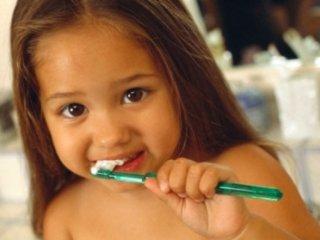 سلامت دندانهای کودکتان را تضمين کنيد