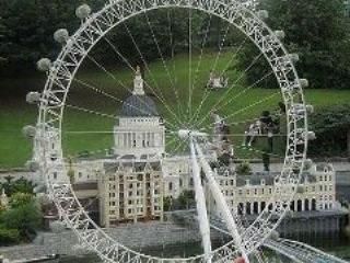 بلندترين و بزرگترين چرخ و فلک جهان