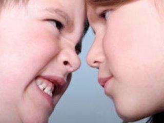 دعوای کودکان  آمادگی آنان با مشکلات آينده
