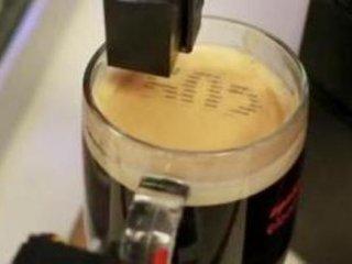 قهوه سازی که روی نوشيدنی تان اس ام اس چاپ می کند