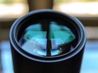 اسيدهای خطرناک نَفَس انسان برای لنز دوربين