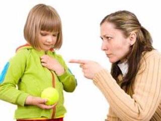 آداب معاشرت را چگونه به کودک مان بياموزیم؟