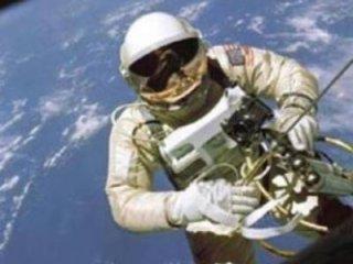 پنج نکته در مورد زندگی در فضا