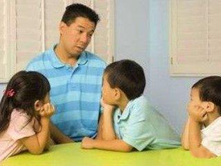 اين 7جمله مخرب را به کودکتان نگوييد