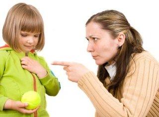 رفتارهای اشتباه والدين که نمی دانند